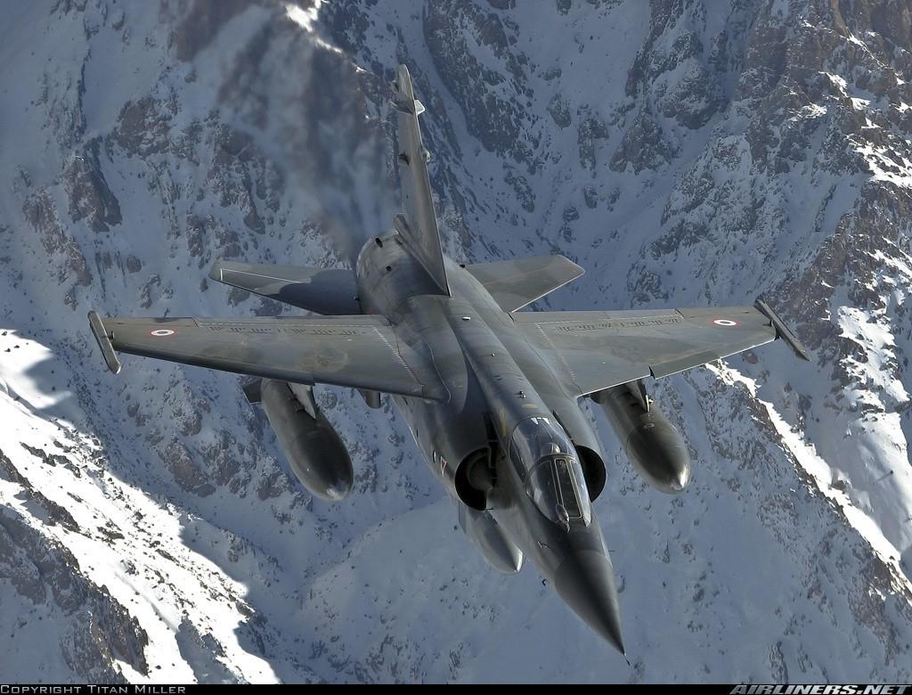 Dassault-Mirage-F1-fondo